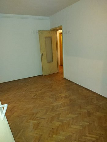 Apartament 3 camere in zona Pajura ! - imaginea 1