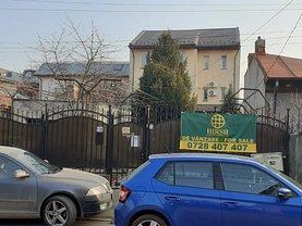 Casa de vânzare 11 camere, în Bucureşti, zona Domenii