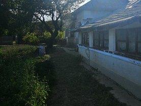 Casa de vânzare 6 camere, în Comana