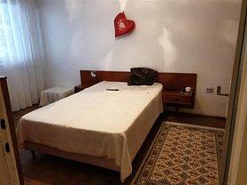 Apartament de vânzare 2 camere, în Bacau, zona Cornisa