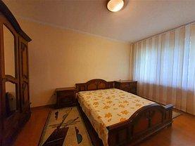Apartament de închiriat 3 camere, în Bacău, zona Cornişa