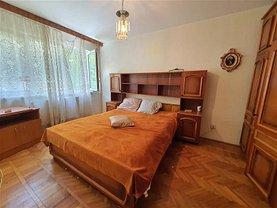 Apartament de vânzare 2 camere, în Bacău, zona Cornişa