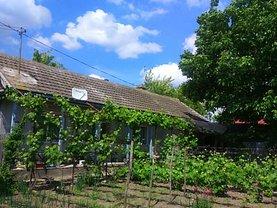 Casa de vânzare 4 camere, în Valea Nucarilor