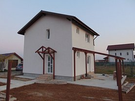 Casa de vânzare sau de închiriat 3 camere, în Bacu