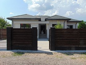 Casa 4 camere în Sabareni
