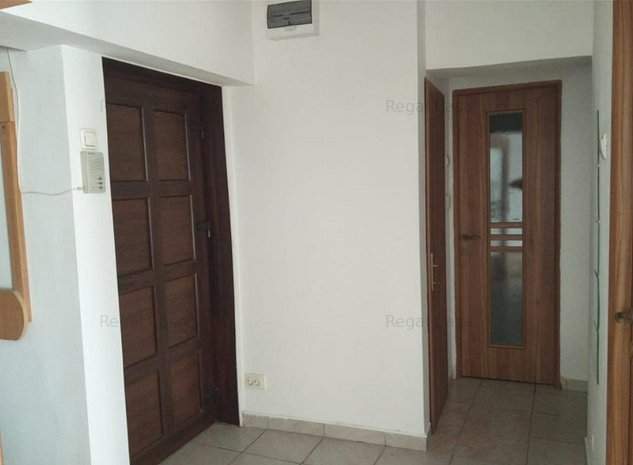 Apartament de 3 camere decomandat, zona centrala - A. Panu - imaginea 1