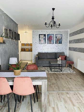 Apartament de lux cu 2 camere in zona Tractoru ,et 4 - imaginea 1