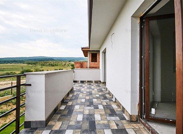 Casa individuala cu 400mp teren - Borhanci - priveliste superba - imaginea 1