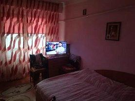 Apartament de vânzare 3 camere, în Constanţa, zona Casa de Cultură