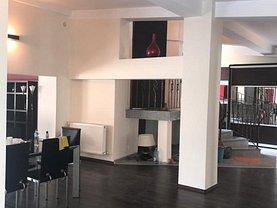Apartament de închiriat 3 camere, în Constanţa, zona Cazino