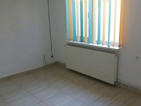 Casa de închiriat 4 camere, în Constanta, zona Delfinariu