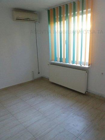 Casa 4 camere Delfinariu - imaginea 1