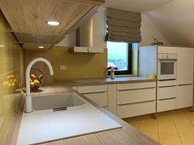 Apartament de vânzare 3 camere, în Bistrita, zona Decebal