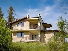 Casa de închiriat 5 camere, în Floreşti