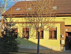 Casa de vânzare 6 camere, în Bistriţa, zona Central