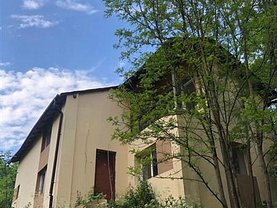 Casa de vânzare 5 camere, în Mărtineşti, zona Central