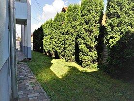 Casa de închiriat 4 camere, în Bistriţa, zona Central