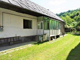 Casa de vânzare 3 camere, în Bistriţa, zona Est