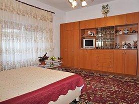 Casa de vânzare 2 camere, în Bistriţa, zona Central