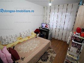 Apartament de vânzare 4 camere, în Tulcea, zona Neptun