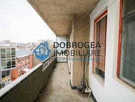 Apartament de vânzare 4 camere în Tulcea, Central