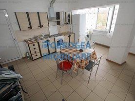 Apartament de vânzare sau de închiriat 4 camere, în Tulcea, zona Spitalului