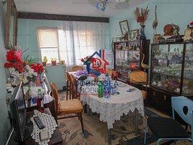 Apartament de vânzare 4 camere, în Tulcea, zona 23 August