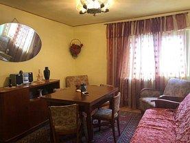 Apartament de închiriat 3 camere, în Busteni, zona Telecabinei