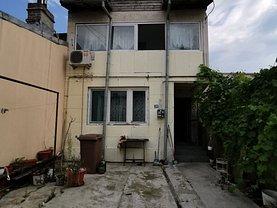 Casa de vânzare 3 camere, în Ploieşti, zona Sud