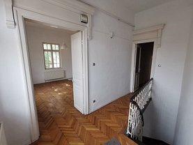 Casa de vânzare 3 camere, în Bucureşti, zona Capitale