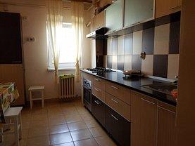 Apartament de închiriat 3 camere, în Deva, zona Decebal