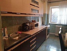 Apartament de vânzare 4 camere, în Deva, zona Decebal