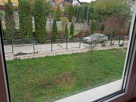 Casa de vânzare 8 camere, în Deva, zona Aurel Vlaicu