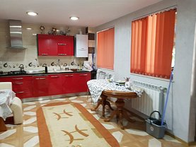 Casa de vânzare 5 camere, în Deva, zona Nicolae Bălcescu