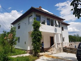 Casa de vânzare 4 camere, în Clopotiva