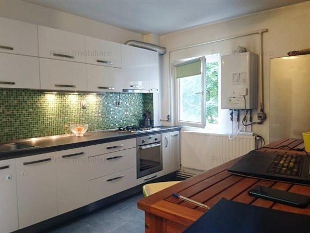 Apartament, 3 camere, decomandat, 80 mp, zona str. Dorobantilor - imaginea 1