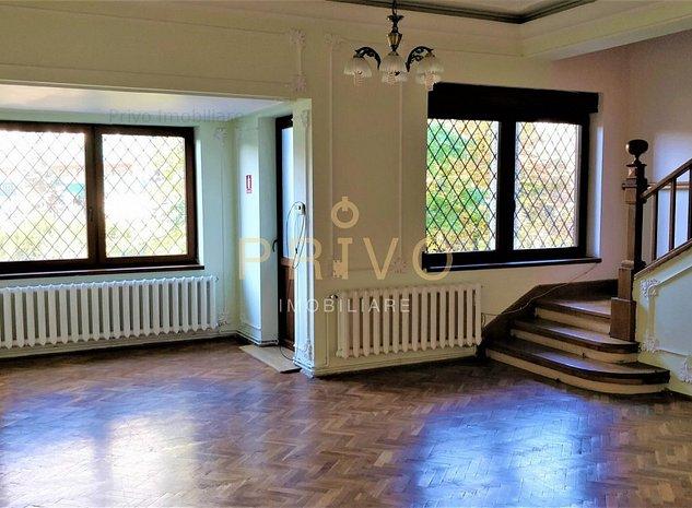 Casa 5 camere 220 mp curte 150 mp zona Parcului Central - imaginea 1