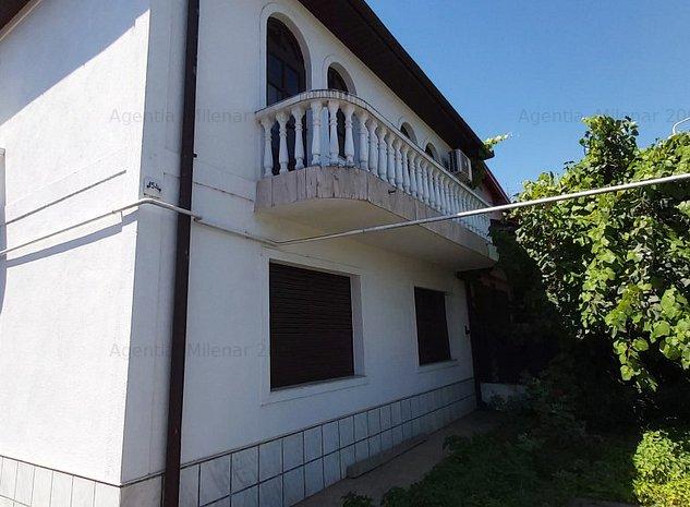Casa cu etaj în zonă deosebită - imaginea 1