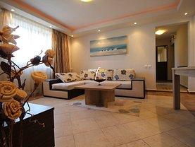 Apartament de vânzare 3 camere, în Constanţa, zona P-ţa Ovidiu