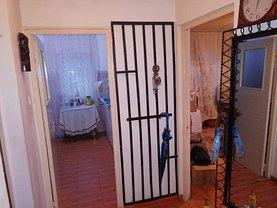 Apartament de vânzare 4 camere, în Constanţa, zona Casa de Cultură