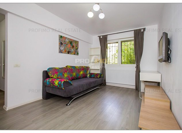 Apartament 3 camere, cf 2 zona Ciresica Centrala proprie - imaginea 1
