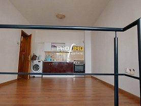 Apartament de închiriat 4 camere, în Constanta, zona Far