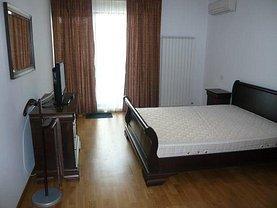 Apartament de vânzare 3 camere în Bucuresti, Damaroaia