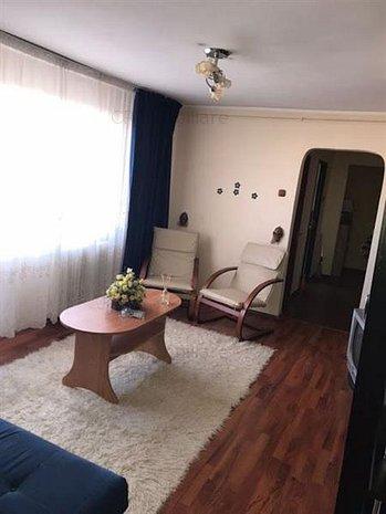 Apartament 3 camere semidecomandat,metrou Gorjului,350 euro - imaginea 1