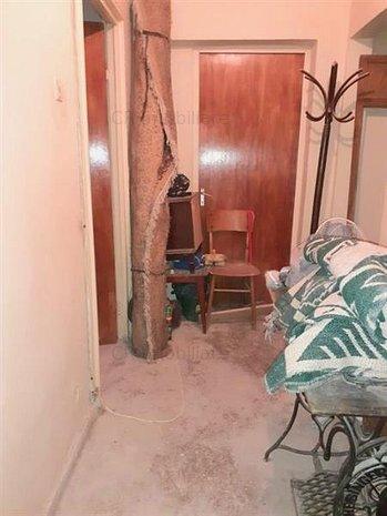 Vanzare apartament 3 camere Lujerului - imaginea 1