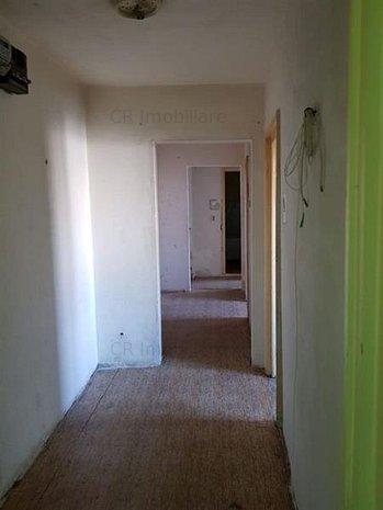 Vanzare apartament 3 camere Gorjului - imaginea 1