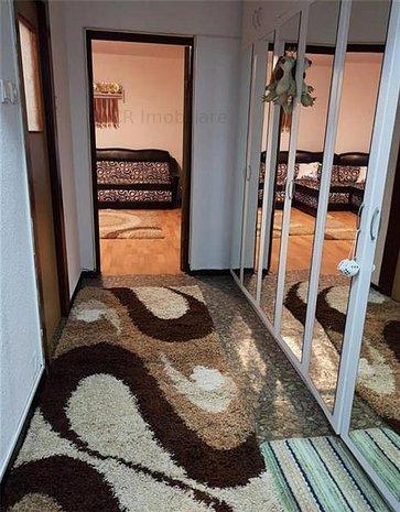 Vanzare apartament 2 camere Pacii - imaginea 1