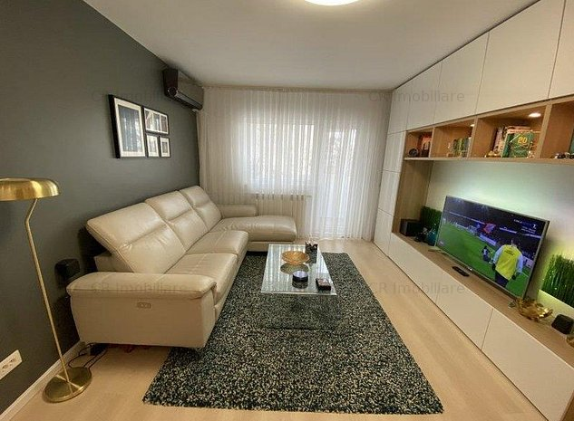 Vanzare apartament 3 camere lux Stefan cel Mare - imaginea 1