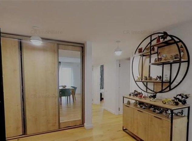 Vanzare apartament 4 camere - imaginea 1