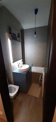 Vanzare apartament 2 camere complet renovat si frumos Pacii - imaginea 1